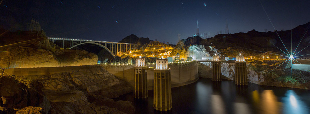 Hoover Dam shot at 16mm. This was a 196 second exposure at f/20, ISO 400. Note how the starbursts get even more pronounced at these settings.