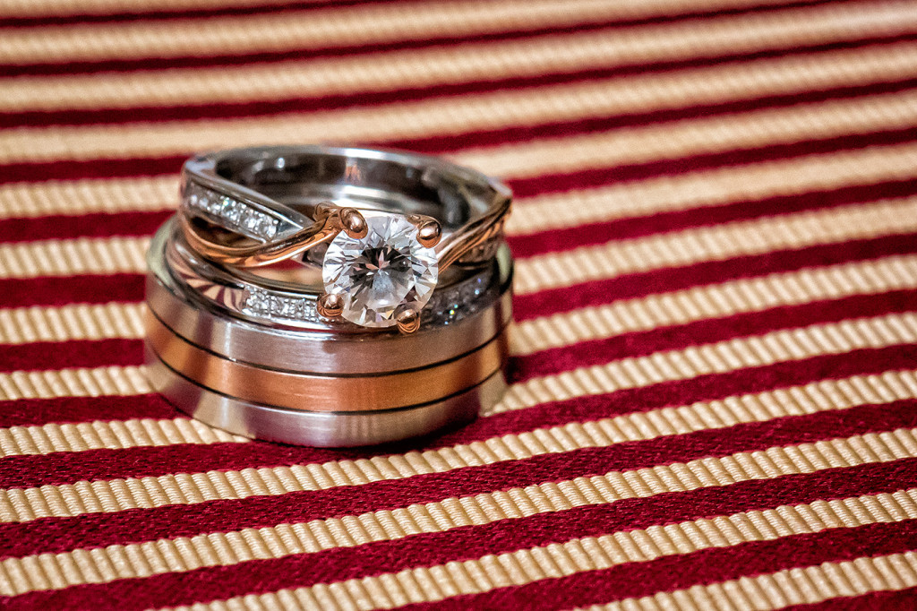 This ring shot was taken at 1/200 sec. at f/11 and ISO 5000. Even with the f/11, the depth of field remained very shallow because of the close distance the macro lens was to the ring.